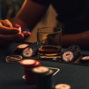 The Dark Side of Online Poker: Vad du behöver veta